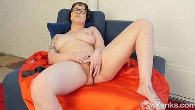 Latitudinarian In Glasses Vi Toy Her Snatch