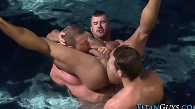 Muscly accept threeway jizz